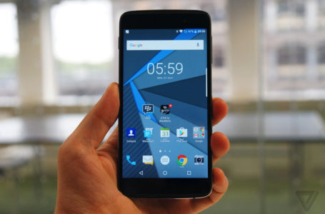 Latest Touch Screen Phones – A Complete Mobile Experience